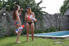 Hanna-and-Delia-pool-1-116-scaled