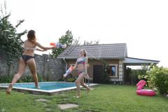 Hanna-and-Delia-pool-1-127-scaled
